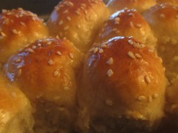 Arabic rolls filled with cheese