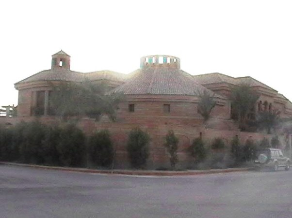 7-0-Typical Big house in Saudi