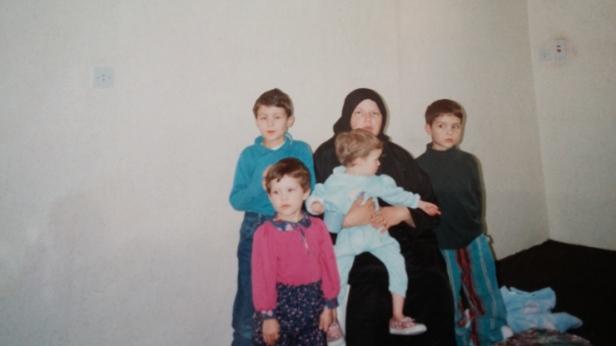 1993 moved to Riyadh-no furniture